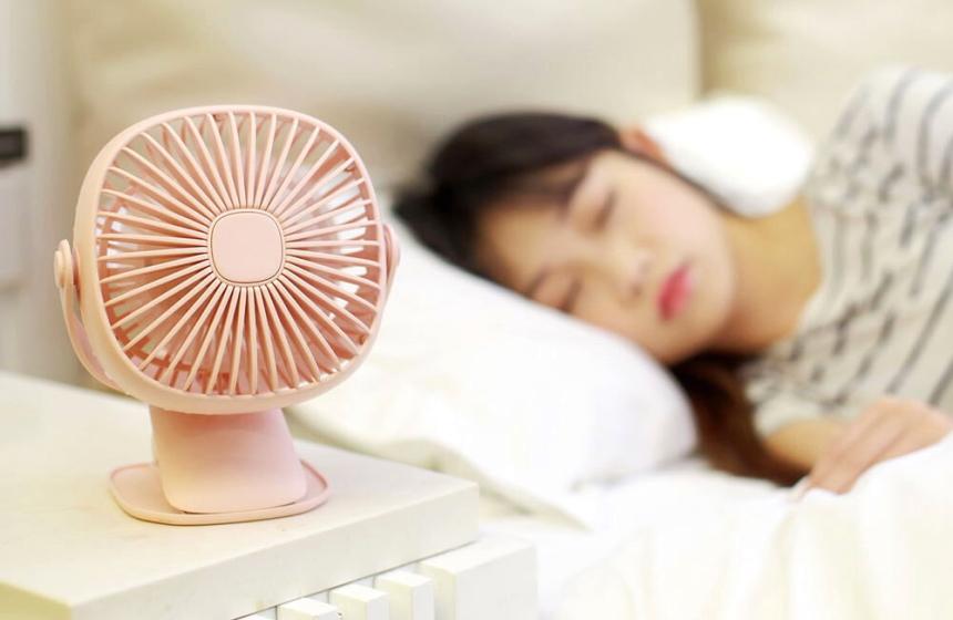 Les 8 Meilleurs Ventilateurs de Table: Essentiel de l'été