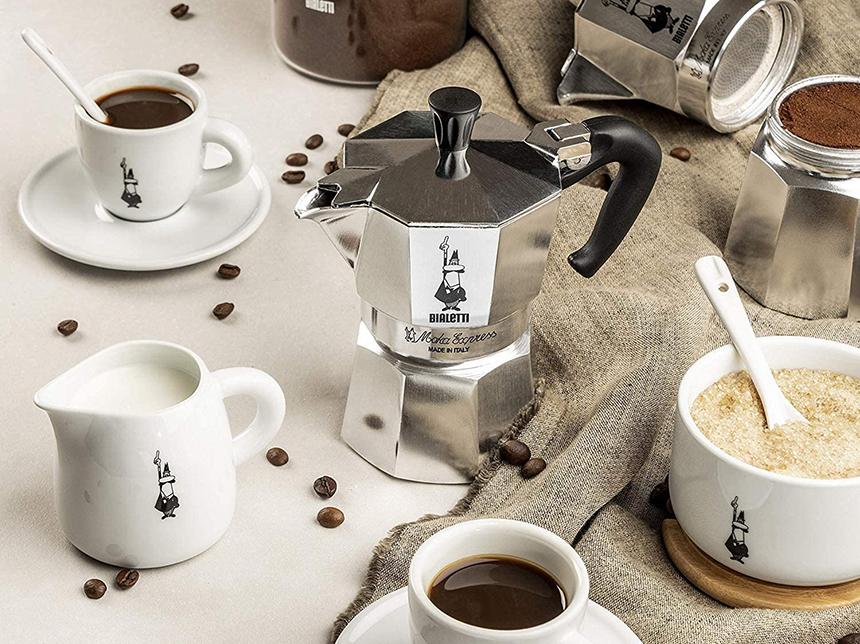 Les 7 Meilleures Cafetières Italiennes: Commencez votre journée avec un café de qualité !