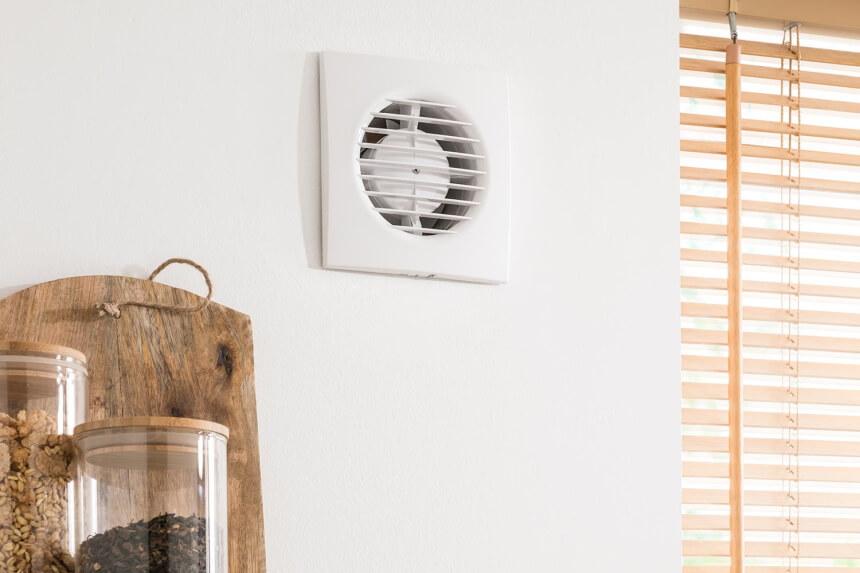 Les 6 Meilleurs Ventilateurs De Salle De Bain: l'Évacuation de l'Humidité et de l'Air Vicié